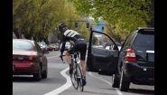 Смотреть онлайн Подборка: Велосипедисты врезаются в открытые двери