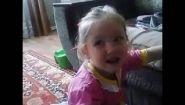Смотреть онлайн Маленькая девочка хочет быть казашкой