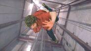 Смотреть онлайн Подборка: Люди падают в лифтовую шахту