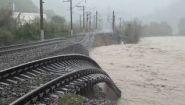 Железную дорогу смыло в Туапсе - Видео онлайн